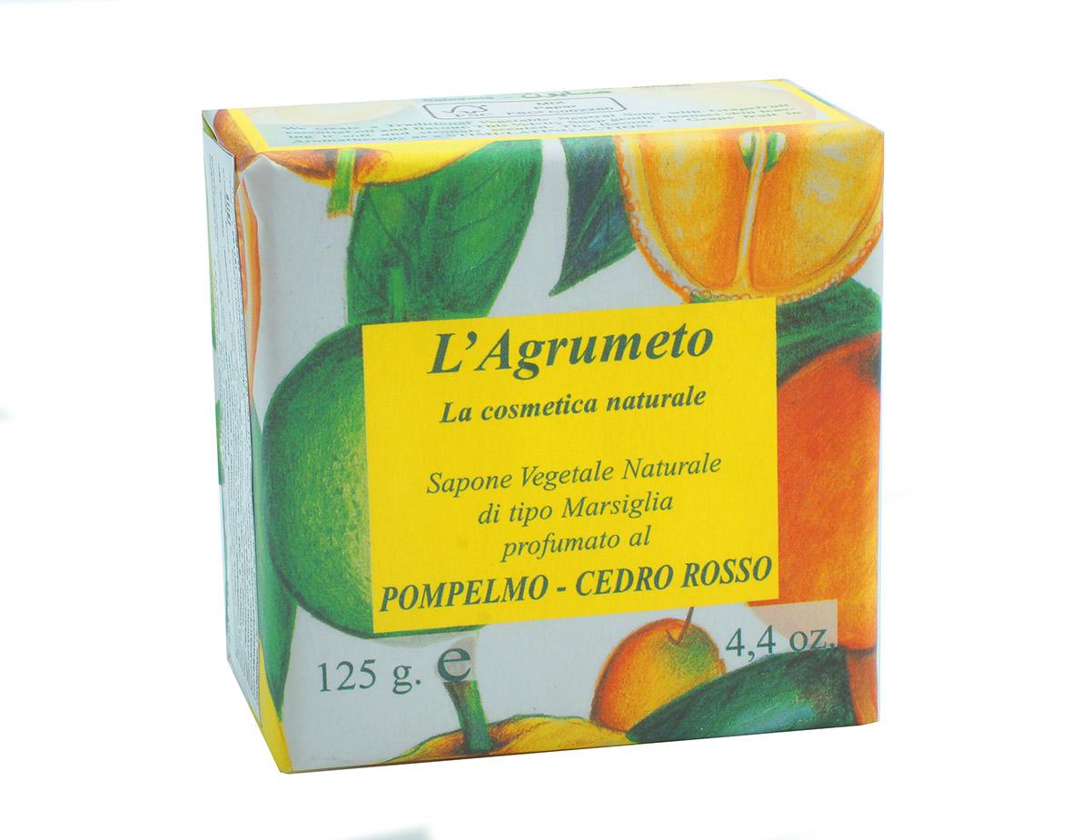 Iteritalia Мыло высококачественное натуральное растительное с ароматом ГЕЙПФРУТ-КЕДР, 125 г722Высококачественное натуральное растительное мыло марсельского типа с ароматом грейпфрута и кедра.Обогащено эфирными маслами грейпфрута, бережно очищает и восстанавливает кожу. В ароматерапии свежий аромат грейпфрута обладает тонизирующим действием. Коллекция ПЛАНТАЦИЯ ЦИТРУСОВЫХ.
