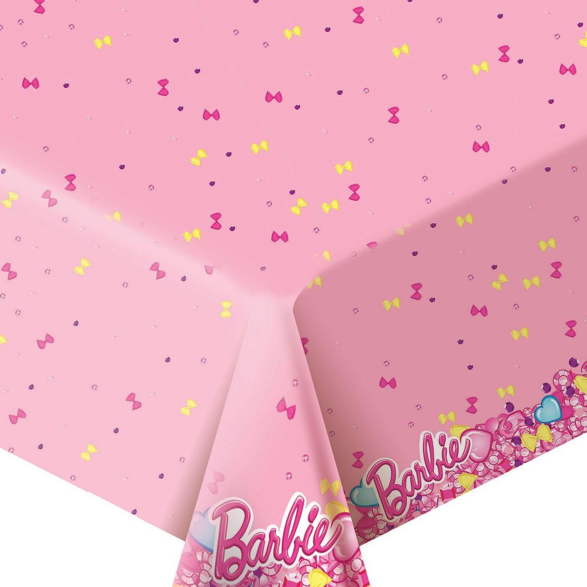 Barbie Скатерть Барби цвет розовый30303Стильная полиэтиленовая скатерть Барби размером 133 х 183 см поможет сделать детское торжество ярче и веселее: она отлично украсит праздничный стол и сохранит его в чистоте. А высокое качество скатерти позволит использовать ее много раз.