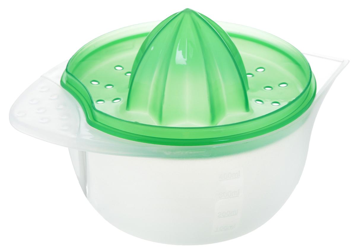 Соковыжималка Идея Цитрус, цвет: зеленый, прозрачный, 400 млCTR-01_зелРучная соковыжималка Идея Цитрус представляет собой емкость для сока с ручкой и съемным фильтром для процеживания сока. Изделие выполнено из высококачественного пищевого пластика. Подходит для отжима лимонов, апельсинов и других цитрусовых. Емкость имеет отметки литража. Удобная ручка и носик позволяют удобно выливать готовый сок в стакан. Соковыжималка Идея Цитрус - компактный и функциональный прибор, который пригодится на любой кухне. Объем: 400 мл. Общая высота соковыжималки: 8 см. Диаметр емкости (по верхнему краю): 12 см. Высота стенки емкости: 6 см.