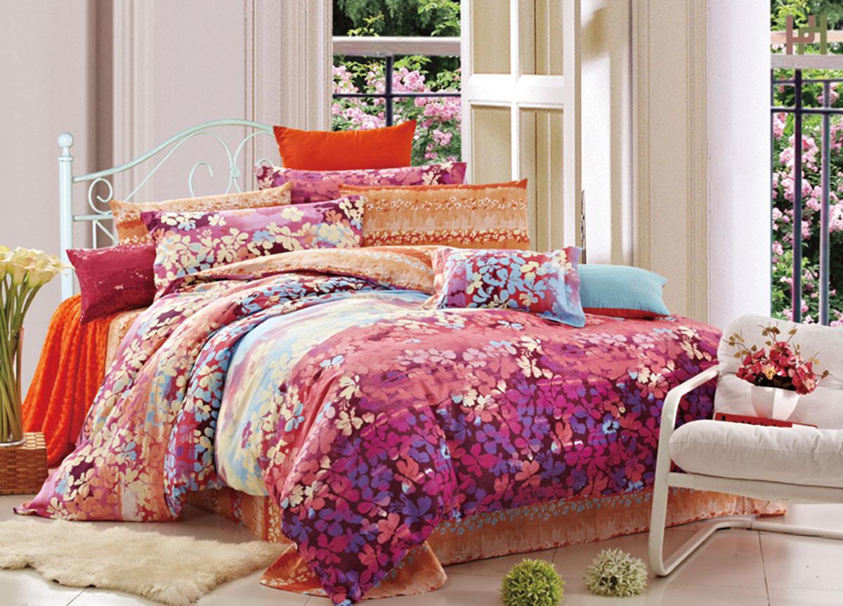 Комплект белья Primavera Classic. Васельки, 2-спальный, наволочки 70x70, цвет: розовый72449Наволочки с декоративным кантом особенно подойдут, если вы предпочитаете класть подушки поверх покрывала. Кайма шириной 5-10см с трех или четырех сторон делает подушки визуально более объемными, смотрятся они очень аккуратно, даже парадно. Еще такие наволочки называют оксфордскими или наволочками «с ушками». Сатин – прочная и плотная ткань с диагональным переплетением нитей. Хлопковый сатин по мягкости и гладкости уступает атласу, зато не будет соскальзывать с кровати. Сатиновое постельное белье легко переносит стирку в горячей воде, не выцветает. Прослужит комплект из обычного сатина меньше, чем из сатина повышенной плотности, но дольше белья из любой другой хлопковой ткани. Сатин приятен на ощупь, под ним комфортно спать летом и зимой. Производство «Примавера» находится в Китае, что позволяет сократить расходы на доставку хлопка. Поэтому цены на это постельное белье более чем скромные и это не сказывается на качестве. Сатин очень гладкий, мягкий, но при этом, невероятно прочный....
