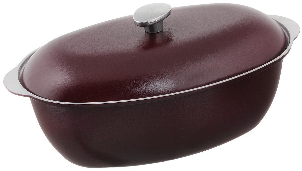 Гусятница Биол с крышкой, цвет: бордовый, 4 лГ0400ДГусятница Биол, выполненная из высококачественного литого алюминия, оснащена крышкой. Благодаря особой конструкции корпуса в гусятнице замечательно готовить томленые блюда. Она равномерно прогревается и долго удерживает тепло. Приготовленное блюдо получается особенно вкусным, а в продуктах сохраняется больше полезных веществ. Гусятница не подвержена деформации, легко моется. Подходит для газовых, электрических и стеклокерамических плит. Не подходит для индукционных плит. Размер гусятницы (по верхнему краю): 37,2 х 23,2 см. Высота стенки гусятницы: 12,2 см. Объем: 4 л.