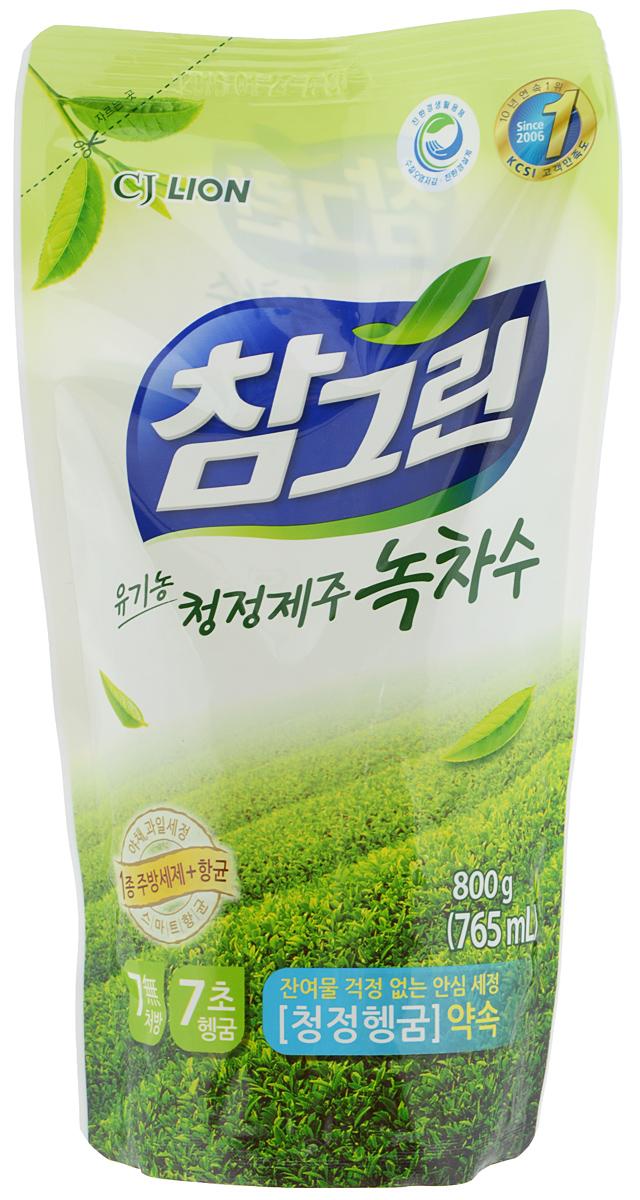Средство для мытья посуды, овощей и фруктов Cj Lion Charmgreen, зеленый чай, 765 мл26190Средство для мытья посуды, овощей и фруктов Cj Lion Charmgreen премиум класса в составе имеет вытяжку из натурального зеленого чая, произрастающего в экологически чистом районе провинции Кангвон-до. Экстракт натурального зеленого чая оказывает смягчающее действие на кожу и эффективно удаляет жир. Мягкое воздействие на руки - моющие компоненты на растительной основе действуют мягко, а компоненты для защиты кожи на растительной основе увлажняют кожу. От посуды до овощей и фруктов - использование высококачественного материала растительного происхождения 1 сорта позволяет использовать средство для безопасного мытья посуды, кухонной утвари, а также овощей и фруктов. Безопасность полного ополаскивания за 5 секунд - удаляются остатки чистящего средства и компонентов, разрушающих жиры. Удаление микробов на 99,9% - идеально подходит даже для мытья детских бутылочек. Приятный аромат зеленого чая сделает мытье посуды приятным занятием. ...