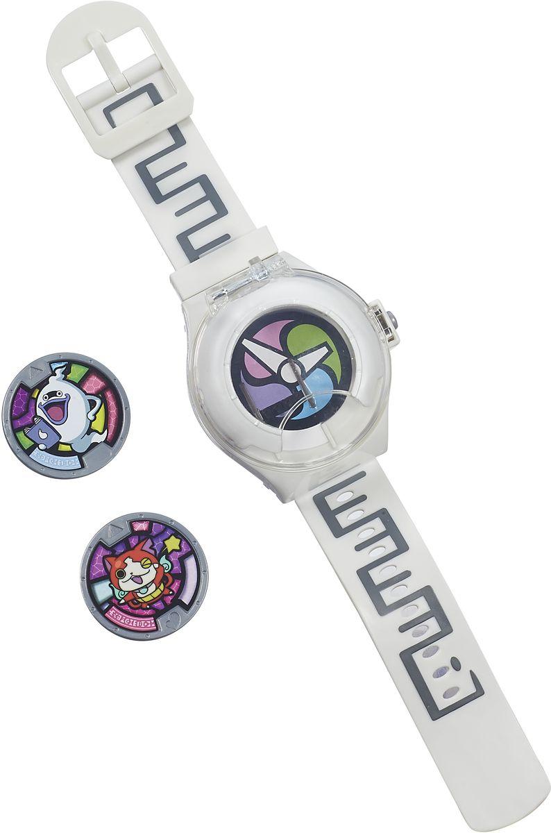 Yokai Watch Игровой набор ЧасыB5943121Yokai Watch - это игрушечные часы, созданные специально для поклонников популярного аниме Йо-кай Вотч. Мультфильм повествует об обыкновенном мальчике по имени Кейта, который по счастливому стечению обстоятельств стал обладателем необычного гаджета в виде часов, с помощью которых можно увидеть разных духов, которыми, оказывается, заполнен наш мир. И вот, вместе с духом Виспером Кейта начинает свое странствие в поиске духов, которые бывают как добрыми, так и злыми, с некоторыми из которых ему предстоит сразиться. Часы в точности копируют гаджет для обнаружения духов из мультфильма. В комплект входят 2 медали с изображением духов - Виспера и Дзибаняна, которые можно вставить в часы. Поместите медаль внутрь часов - и вы услышите имя духа. Часы распознают более 100 медалей йо-кай. Кроме того, игрушка воспроизводит песню племени Yokai и различные звуки из мультфильма. А на медали расположен QR-код, который можно отсканировать в приложении Земля призраков. Часы не...