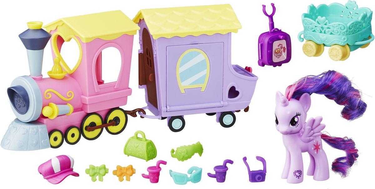 My Little Pony Набор фигурок Поезд ДружбыB5363EU4Главным средством передвижения в Эквестрии, конечно же, является Поезд Дружбы. Именно на нем любимые героини неоднократно путешествуют в мультфильме Дружба - это чудо. В наборе - пони Твайлайт Спаркл, паровоз и вагончик с 10 разными аксессуарами, который раскладывается и превращается в настоящий вагон-ресторан. Отсканируйте специальный код своим мобильным устройством, и откройте новые функции в игровом мобильном приложении My Little Pony.