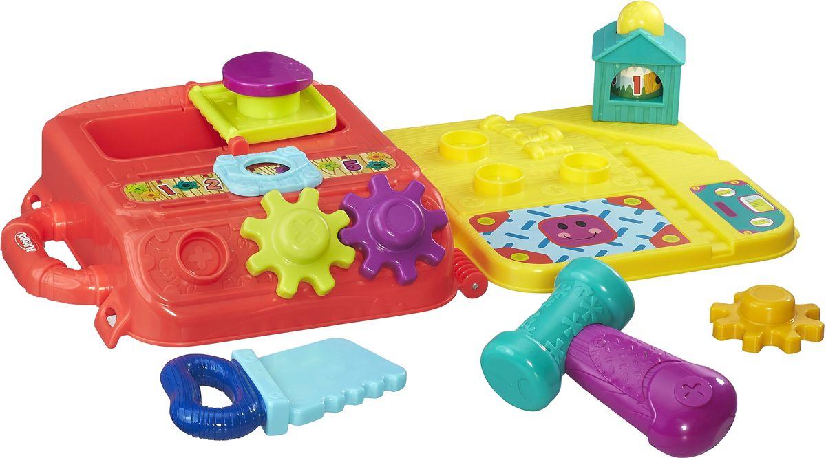 Playskool Развивающая игрушка Моя первая мастерскаяB5845EU4Игрушка Playskool Моя первая мастерская - это замечательная развивающая игрушка для малышей. Благодаря большому количеству деталей и элементов игрушки, у ребенка появляется множество возможностей для различных игр. В мастерской есть молоток, пила, линейка, различные подвижные элементы. Такой набор, несомненно, поспособствует раннему развитию крохи. А когда малыш вдоволь наиграется, просто соберите игрушки в удобный чемоданчик, закройте его и уберите на полку - в собранном виде набор не занимает много места, его удобно брать с собой, например, в путешествие или в гости.