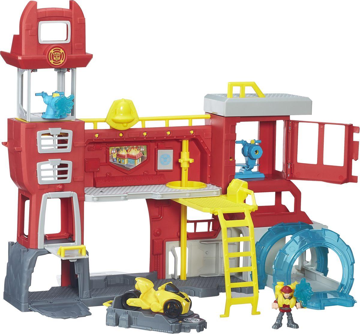 Playskool Heroes Игровой набор Штаб СпасателейB5210EU4Игровой набор Playskool Heroes Штаб Спасателей из серии Transformers Rescue Bots, несомненно, порадует каждого ребенка! Набор состоит из пожарной станции, фигурки полицейского и гоночной машинки. Спасатель может скатиться через секретную дверь и запустить огонь в действие, чтобы потушить пожар. С таким игровым набором малыш сможет разыгрывать различные сцены из любимого мультфильма или придумать свои истории. Все детали в наборе выполнены из качественного пластика, безопасного для здоровья вашего ребенка. Удивите своего малыша новым, ярким и функциональным игровым набором. Для детей от 3 до 7 лет.
