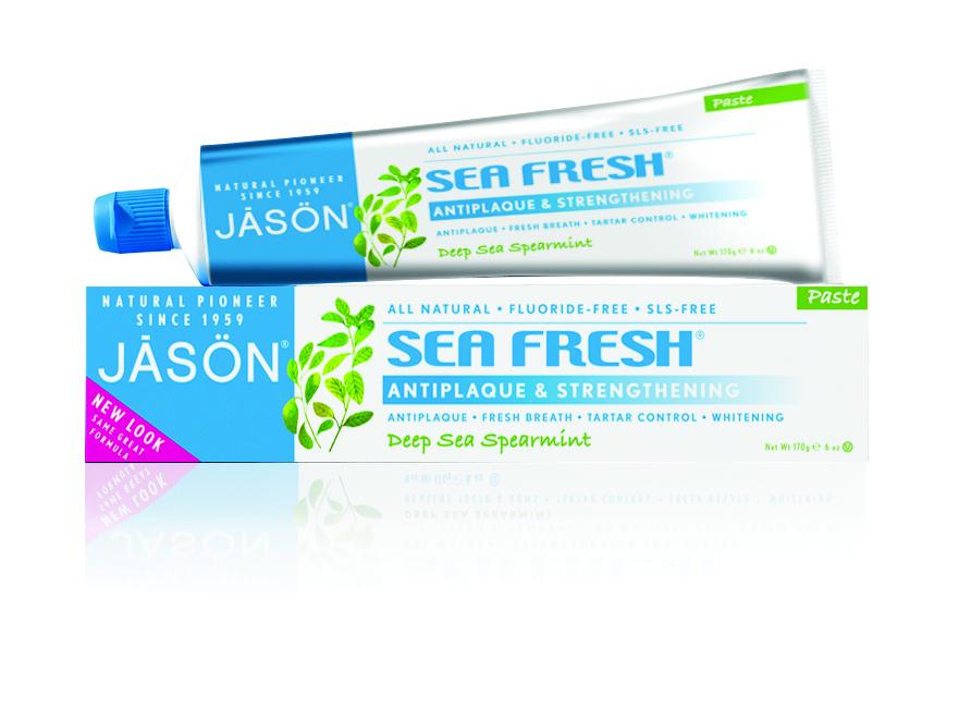 Jason Зубная паста Морская свежесть, 170 гJ01510Лечебно-профилактическая зубная паста содержащая экстракт петрушки, мяты и сине-зеленные водоросли богатые белками, антиоксидантами укрепит ваши зубы и освежит дыхание. Обладая мягким растительным ароматом с нотками морского бриза, содержит только природные и эксклюзивные абразивы, ПАВ, благодаря чему эффективно очищает, растворяет органический материал зубного налета и предотвращает прикрепление зубного камня.