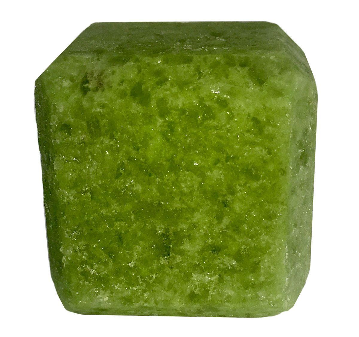 Соль для бани Proffi Sauna, с маслом кедраPS0549Прессованный кубик из соли для сауны с ароматом Кедра. Заходя в бане/ сауне в парилку, Вы ставите кубик из соли на камни и поливаете камень водой. В результате образуется облако соляного пара, а по всей парилке разносится приятный аромат. 1 кубик рассчитан на 1 применение. Состав: чистая природная структурированная соль, эфирное масло.
