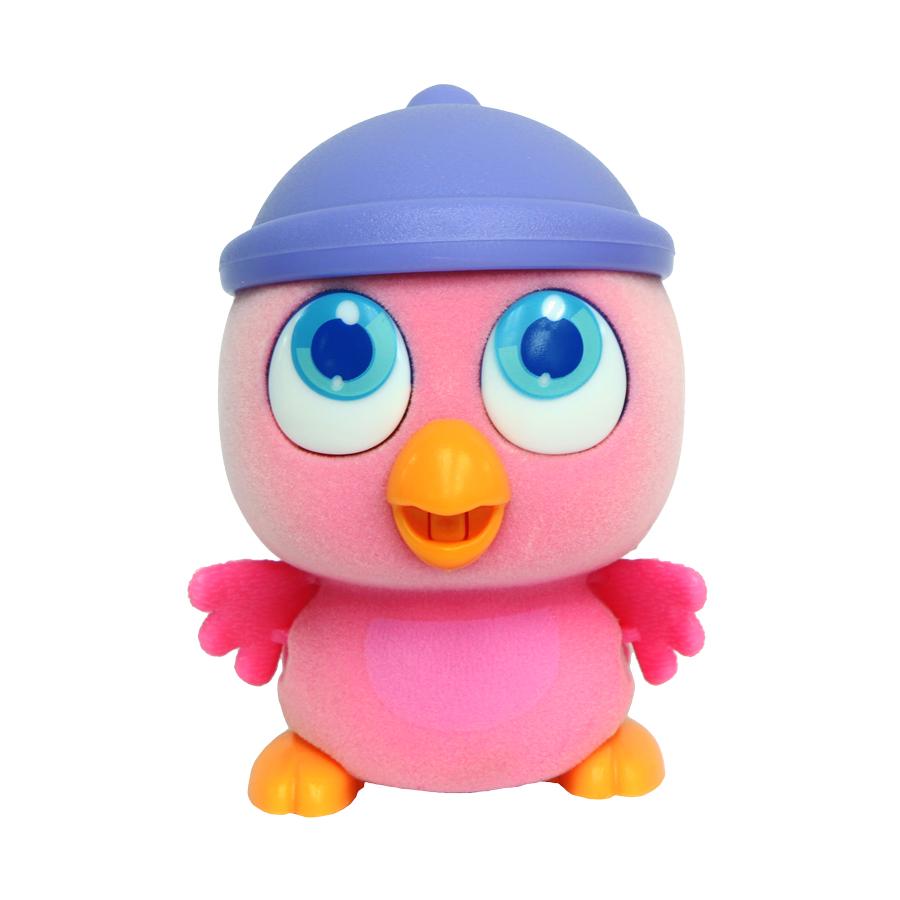 Пи-ко-ко Интерактивная игрушка Совенок в шапочке22020_розовыйИнтерактивная игрушка Пи-ко-ко Попугай в шапочке приведет в восторг любого ребенка. После включения птенец начинает идти, весело щебетать и махать крыльями. Стоит хлопнуть в ладони, он громко запищит и быстро начнет бежать. Если взять его в руки и покормить из бутылочки, входящей в набор, птенец успокоится и радостно зачирикает. После этого он начнет медленно ходить и щебетать, пока опять не услышит громкий звук. Необходимо купить батарейку типа AAA (не входит в комплект).