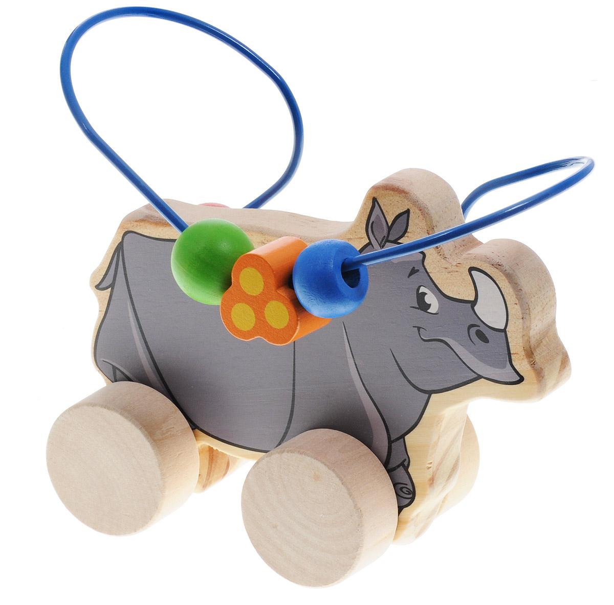 Мир деревянных игрушек Лабиринт-каталка НосорогД365Лабиринт-каталка Мир деревянных игрушек Носорог - это замечательная игрушка для малышей! Игрушка в виде носорога на колесиках выполнена из качественных материалов по европейским стандартам и покрыта специальной краской на водной основе, которая абсолютно безопасна для вашего малыша. Натуральное дерево, из которого изготовлена игрушка, прошло специальную обработку, в результате чего на модели не осталось острых углов или шероховатых поверхностей, которые могут повредить кожу ребенка. Производитель использует только экологически чистую новозеландскую сосну для производства своих игрушек. К игрушке прикреплена изогнутая проволока, по которой свободно могут двигаться фигурки, различные по цвету и форме. Мелкие детали не снимаются. Благодаря большим деревянным колесам малыш сможет использовать игрушку и как каталку. Лабиринт-каталка развивает моторику рук, логическое мышление, а также знакомит малыша с основными цветами и формами.