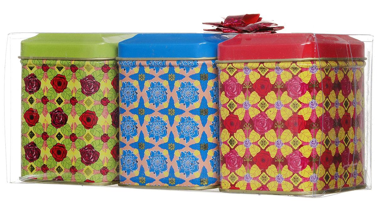 Maitre Чайное трио набор листового чая, 160 гбаж022Необычный набор Maitre Чайное трио состоит из трех жестяных баночек с цветочным узором, в общей пластиковой упаковке. В состав набора входит: - Наполеон - чай зеленый байховый китайский листовой типа оолонг (молочный улун), 65 г; - Киви, клубника - чай черный байховый цейлонский крупнолистовой, с кусочками клубники, киви, лимонной травой, 40 г; - Чай черный индийский крупнолистовой высшего сорта, 55 г. Такой набор станет хорошим подарком для всех любителей чая.