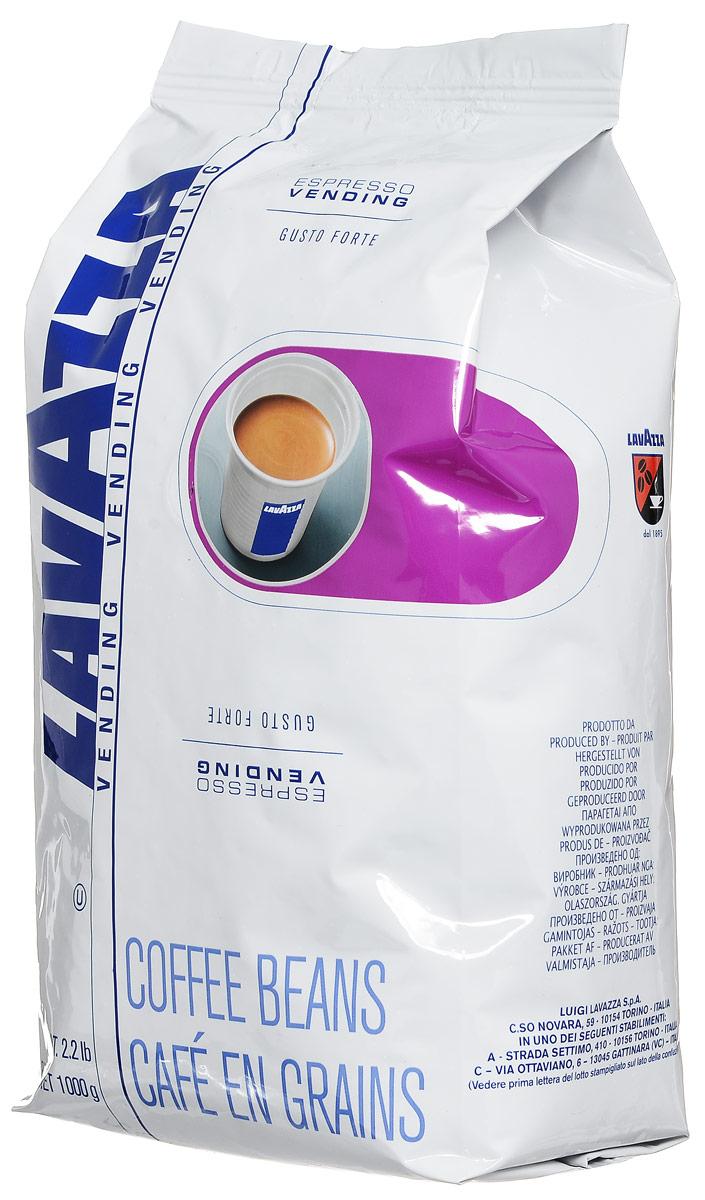 Lavazza Gusto Forte Vending кофе в зернах, 1 кг8000070028685Это самый крепкий кофе линейки Lavazza, состоящий из 100% зерен робусты, собранной в Африке и Азии. Смесь характеризуется выразительным насыщенным вкусом со сладким привкусом, многогранным крепким ароматом с долгим обволакивающим послевкусием и стойкой высокой пенкой. Темная обжарка зерен сообщает терпкость и крепость. Смесь великолепно подходит для приготовления традиционного итальянского эспрессо в кофемашинах любых типов.