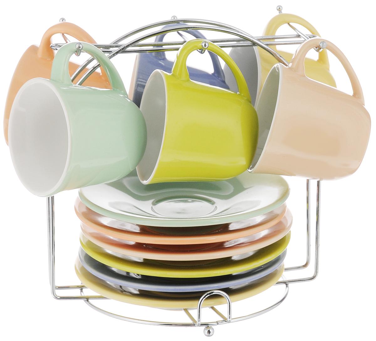 Набор кофейный Loraine, на подставке, 13 предметов. 2486524865Кофейный набор Loraine состоит из 6 чашек, 6 блюдец и подставки. Изделия выполнены из высококачественной керамики, имеют яркий дизайн и размещены на металлической подставке. Такой набор прекрасно подойдет как для повседневного использования, так и для праздников. Можно мыть в посудомоечной машине, использовать в микроволновой печи. Диаметр чашки (по верхнему краю): 6 см. Высота чашки: 5,5 см. Диаметр блюдца: 12 см. Высота блюдца: 2 см. Объем чашки: 80 мл. Размер подставки: 15,5 х 13,5 х 16 см.