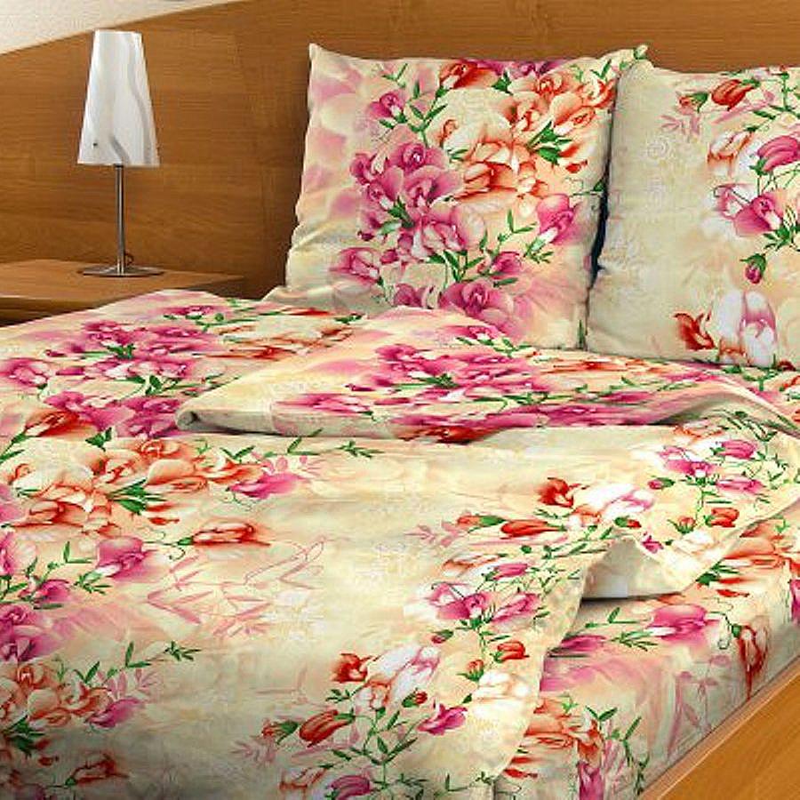 Комплект белья Letto, 1,5-спальный, наволочки 70х70. B117-3B117-3Комплект постельного белья Letto выполнен из классической российской бязи (хлопка). Комплект состоит из пододеяльника, простыни и двух наволочек. Постельное белье, оформленное ярким цветочным рисунком, имеет изысканный внешний вид. Пододеяльник снабжен молнией. Благодаря такому комплекту постельного белья вы сможете создать атмосферу роскоши и романтики в вашей спальне. Уважаемые клиенты! Обращаем ваше внимание на тот факт, что расцветка наволочек может отличаться от представленной на фото.