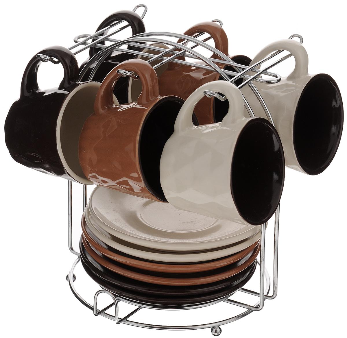 Набор кофейный Loraine, 13 предметов. 2466824668Кофейный набор Loraine состоит из 6 чашек и 6 блюдец. Посуда изготовлена из высококачественной керамики. Для предметов набора предусмотрена специальная металлическая подставка с крючками для чашек и подставкой для блюдец. Изящный дизайн придется по вкусу и ценителям классики, и тем, кто предпочитает утонченность и изысканность. Набор Loraine настроит на позитивный лад и подарит хорошее настроение с самого утра. Он станет идеальным и необходимым подарком для вашего дома и для ваших друзей в праздники. Посуда подходит для использования в микроволновой печи и холодильнике, также можно мыть в посудомоечной машине. Объем чашки: 90 мл. Диаметр чашки (по верхнему краю): 6,5 см. Высота чашки: 5,5 см. Диаметр блюдца: 11,5 см. Высота блюдца: 1,7 см. Размер подставки: 14,5 х 15 х 18,7 см.