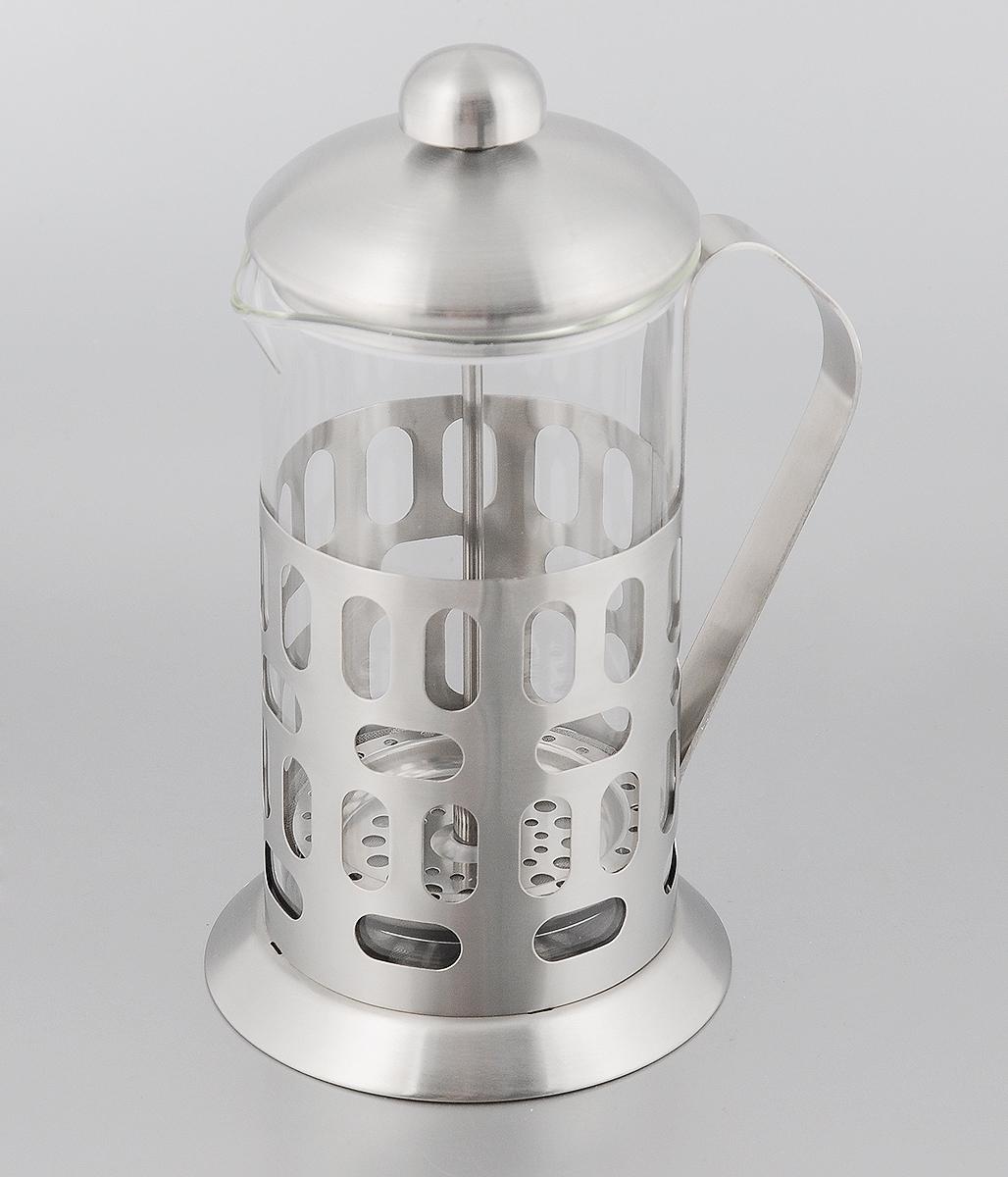 Френч-пресс Mayer & Boch, 600 мл. 81318131Френч-пресс Mayer & Boch позволит быстро и просто приготовить свежий и ароматный чай или кофе. Колба изготовлена из высококачественного жаропрочного боросиликатного стекла, устойчивого к окрашиванию, царапинам и термошоку. Фильтр-поршень из нержавеющей стали выполнен по технологии press-up для обеспечения равномерной циркуляции воды. Подставка из матовой нержавеющей стали декорирована оригинальной перфорацией. Готовить напитки с помощью френч-пресса очень просто. Насыпьте внутрь заварку и залейте кипятком. Остановить процесс заваривания легко. Для этого нужно просто опустить поршень, и заварка уйдет вниз, оставляя вверху напиток, готовый к употреблению. Заварочный чайник с прессом - это совершенный чайник для ежедневного использования. Диаметр колбы: 9 см. Диаметр основания френч-пресса: 11 см. Высота (с учетом крышки): 21 см.