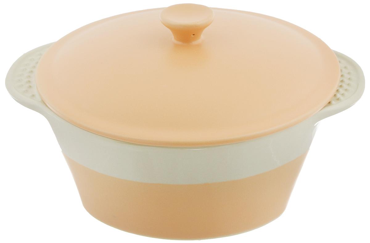 Кастрюля керамическая Mayer & Boch с крышкой, 1,7 л. 2177321773Кастрюля Mayer & Boch изготовлена из жаропрочной керамики с покрытием глазурью. Пища, приготовленная в керамической посуде, сохраняет свои вкусовые качества и не может нанести вред здоровью человека, благодаря экологической чистоте материала. Керамика - один из самых лучших материалов, который удерживает тепло, медленно и равномерно его распределяет. Посуда имеет прочные стенки и дно, однородные по толщине, благодаря чему нагрев происходит быстро и равномерно. Удобные рельефные ручки кастрюли помогут вам без труда ее переставить. Такая кастрюля- жаровня подходит для запекания, тушения и варки разнообразных блюд. Жаропрочная керамика выдерживает температуру от -20°С до 400°С, поэтому такую кастрюлю можно использовать в духовке, микроволновой и конвекционной печи, а также для хранения продуктов в холодильнике и морозильной камере. Не подходит для использования на открытом огне. Пригодна для мытья в посудомоечной машине. Диаметр кастрюли (по...