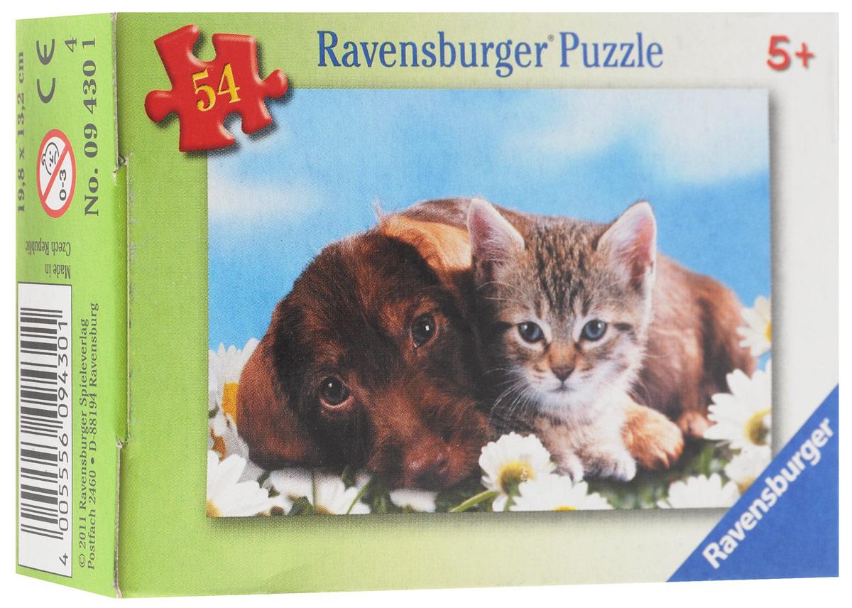 Ravensburger Мини-пазл Щенок и котенок94301_щенок_и_котенокМини-пазл Ravensburger Щенок и котенок обязательно привлечет внимание всей семьи. Собрав этот пазл, включающий в себя 54 элемента, вы получите милую картинку с изображением котенка и собачки с ромашками. Каждая деталь имеет свою форму и подходит только на свое место. Нет двух одинаковых деталей! Пазл изготовлен из картона высочайшего качества. Все изображения аккуратно отсканированы и напечатаны на ламинированной бумаге. Собирание пазла развивает мелкую моторику у ребенка, тренирует наблюдательность, логическое мышление, знакомит с окружающим миром, с цветом и разнообразными формами.