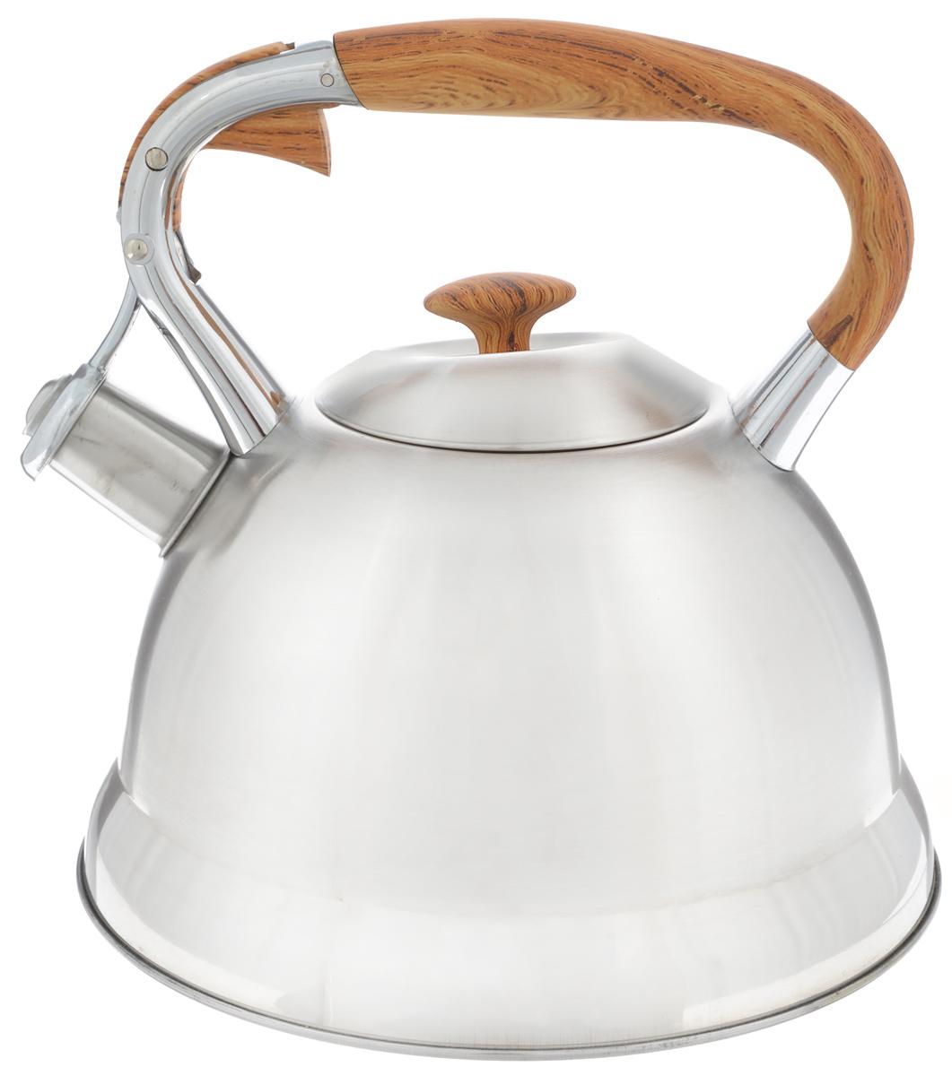 Чайник Mayer & Boch, со свистком, 2,7 л. 2317123171Чайник Mayer & Boch выполнен из высококачественной нержавеющей стали. Носик чайника оснащен насадкой-свистком, что позволит вам контролировать процесс подогрева или кипячения воды. Фиксированная ручка, выполненная из бакелита, цинка и силикона, дает дополнительное удобство при разлитии напитка. Поверхность чайника гладкая и ровная, что облегчает уход за ним. Подходит для всех типов плит, включая индукционные. Можно мыть в посудомоечной машине. Диаметр чайника (по верхнему краю): 10 см. Высота чайника: 23 см.