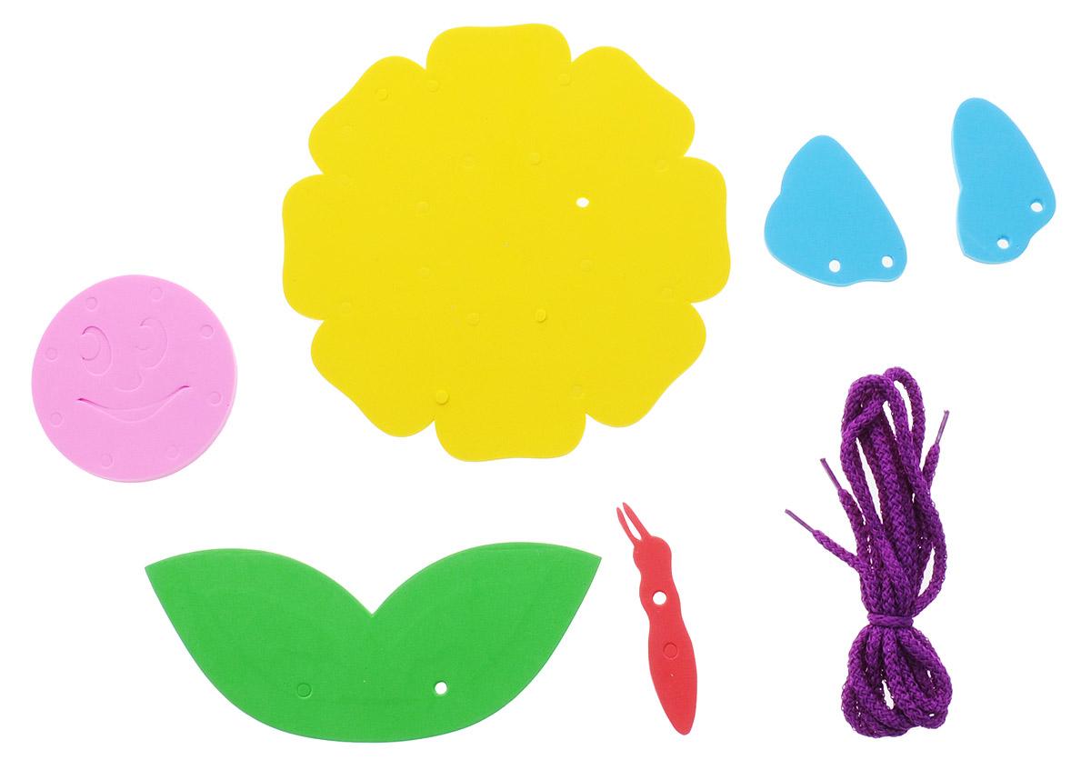 Фантазер Игра-шнуровка На цветке103014Игра-шнуровка Фантазер На цветке - яркая и несложная игрушка, которая очень понравится вашему малышу. Она выполнена из мягкого полимера и текстиля в виде цветочка. Задача малыша - продеть два шнурка в отверстия основы, собрав цветочек. Особый материал дает юному конструктору новые удивительные возможности в игре: гнется, но не ломается, детали всегда можно состыковать. Игрушка-шнуровка развивает воображение, пространственное мышление, координацию движений, ловкость, положительно влияет на эмоциональное состояние ребенка и его настроение.