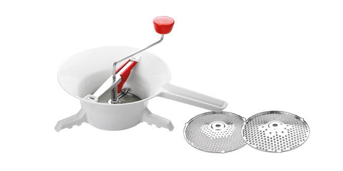 Механическое сито Tescoma HANDY. 643578643578Изготовлено из высококачественной нержавеющейстали и прочного пластика. Пригодно для мытьяв посудомоечной машине. Новое механическое сито для овощей, изготовленноеиз прочного пластика и нержавеющей стали призваназаменить металлическое механическое сито дляовощей HANDY, снятое c производства.Новое механическое сито для овощей HANDY имеетбольшой контейнер и лопасти уникальнойконструкции.
