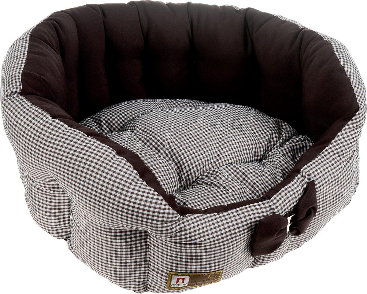 Лежак для собак и кошек Зоогурман Каприз, цвет: шоколадный, белый, диаметр 45 см2212_шоколадный, белый, мелкая клеткаМягкий и уютный лежак для кошек и собак Зоогурман Каприз обязательно понравится вашему питомцу. Лежак выполнен из нежного, приятного материала. Внутри - мягкий наполнитель, который не теряет своей формы долгое время. Внутри лежака теплый, съемный матрасик. Высокие борта лежака обеспечат вашему любимцу уют и комфорт. За изделием легко ухаживать, можно стирать вручную или в стиральной машине при температуре 40°С. Материал: микроволоконная шерстяная ткань. Наполнитель: гипоаллергенное синтетическое волокно. Наполнитель матрасика: шерсть. Диаметр: 45 см. Внутренний диаметр: 33 см. Высота бортиков: 18 см.