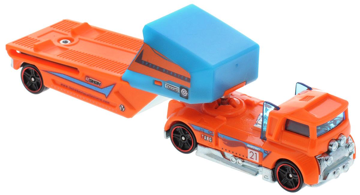 Hot Wheels Track Stars Трейлер Speed Blaster цвет оранжевыйBFM60_СGJ39Трейлеры Hot Wheels готовы к гонкам! Мальчикам понравится их коллекционировать, ведь модели можно комбинировать, меняя кабины и прицепы между другими грузовиками серии. Благодаря ярким цветам и реалистичности трейлеры готовы покорять новые дороги! В комплекте машинка и трейлер. Ваш ребенок часами будет играть с машинками, придумывая различные истории и устраивая соревнования. Порадуйте его таким замечательным подарком!
