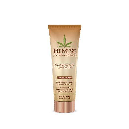 Hempz Молочко для тела с бронзантом темного оттенка Touch of Summer Medium Skin Tonea 235 мл110-2124-03Молочко для тела с бронзантом темного оттенка Touch of Summer Medium Skin Tonea позволит уже через неделю регулярного использования получить ощутимый результат. Средство обеспечивает полноценный уход благодаря сбалансированному составу: масло и экстрагированные компоненты семян конопли снабжают кожу питательными веществами и соединениями, экстракт корня женьшеня и масло ши оказывают охлаждающее, успокоительное и смягчающее воздействие, группа витаминов А, С и Е снижают влияние свободных радикалов и препятствуют образованию мелких морщин, присутствие в составе специальных бронзирующих частиц позволяет получить ровный и красивый оттенок загара. Состав активных компонентов: конопляное и масло семян макадамии и дерева ши, экстракты семян конопли, женьшеня, календулы, ромашки, алое вера, группа витаминов А, С и Е.