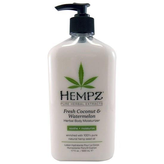 Hempz Молочко для тела увлажняющее Кокос и Арбуз Fresh Coconut and Watermelon Herbal Moisturizer 500 мл110-2153-03Освежающее молочко для тела Hempz на основе растительных экстрактов кокоса и арбуза, обогащено 100% натуральным очищенным маслом конопляного семени, сочетает в себе успокаивающие свойства алоэ вера и ромашки, обогащёно витамином Е, омега кислотами, экстрактом авокадо, содержит кокосовое масло и экстракт арбуза, которые оказывают комплексное увлажняющее действие. Молочко питает, увлажняет, успокаивает, защищает, оживляет кожу. Оцените эффективность натурального сбалансированного ухода за кожей. Не содержит парабенов, глютенов.