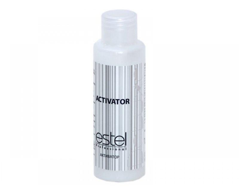 Estel Активатор De Luxe 1,5%, 60 млLA/60Активатор De Luxe от Estel применяется в сочетании с красками из аналогичной линии DE LUXE. Главное то, что активатор Estel DE LUXE не только позволяет достичь равномерного окрашивания волос, но и оказывает ухаживающее действие на локоны, предотвращая воздействие химических компонентов краски на волосы. При смешивании с крем-красками создает удобную и легкую консистенцию для нанесения непосредственно на локоны. Щадящие компоненты активатора позволяют уберечь кожу головы от попадания красящих компонентов средства. Натуральные компоненты средства предотвращают воздействию на волосы химического компонента краски – аммиака, а также обеспечивают бережный уход за волосами в процессе покраски. После использования для окрашивания активатора Estel DE LUXE вы заметите удовлетворительный результат – насыщенный и равномерный оттенок и невероятное состояние самых локонов! Объем: 60 мл