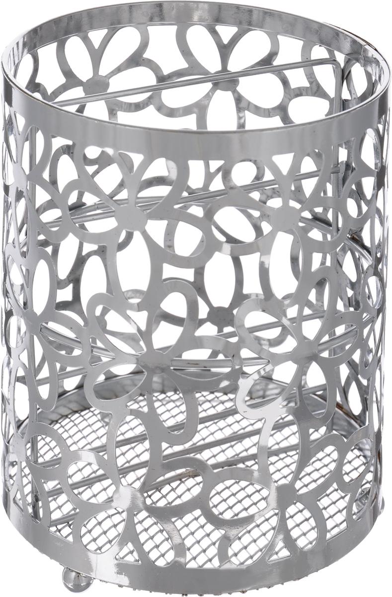 Подставка для столовых приборов Mayer & Boch, 12 х 12 х 15 см24294Подставка для столовых приборов Mayer & Boch представляет собой каркас, разделенный на две секции. Изделие выполнено из метала с хромированной поверхностью. В нижней части находится металлическая сетка. Подставка оснащена тремя круглыми ножками, которые обеспечивают ей устойчивость на любой поверхности. Красивая подставка для столовых приборов декорирована резным цветочным дизайном. Она не займет много места, а столовые приборы будут всегда под рукой. Диаметр поставки: 12 см Высота подставки: 15 см.