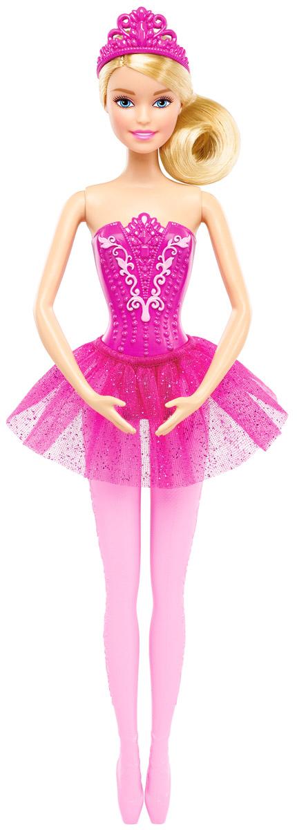 Barbie Кукла Балерина цвет юбки ярко-розовыйDHM41_DHM42Великолепная кукла Barbie Балерина непременно порадует вашу малышку и доставит ей много удовольствия от часов, посвященных игре с ней. Куколка с густыми светлыми волосами, собранными в пучок, одета в великолепный корсет розового цвета и пышную юбку-пачку с блестками. Розовая диадема дополняет образ. Колье розового цвета с цветами украшает длинную шею Барби. Руки и ноги куколки подвижны, голова поворачивается. Порадуйте свою малышку таким великолепным подарком!
