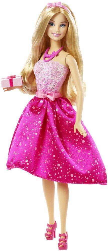Barbie Кукла Happy BirthdayDHC37Куколка Барби собралась на вечеринку в честь дня рождения! Идеальное вечернее платье Барби выделяется мягким блеском розового лифа и яркой розовой юбки. Талия охвачена поясом с розовым бантом, и все платье сверкает! Барби носит соответствующие аксессуары - ярко-розовые бусы и нежно-розовый ободок с бантиком. На ножках у куколки розовые босоножки на высоких каблуках. У куклы длинные светлые волосы, которые так интересно расчесывать, заплетать и придумывать новые прически. В руках Барби держит упакованный подарок. Руки и ноги Барби подвижны, голова поворачивается. Порадуйте свою малышку таким великолепным подарком!