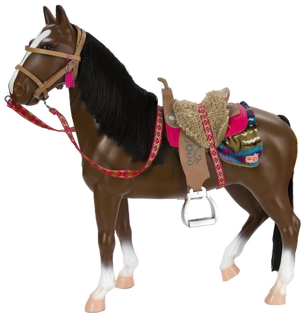 Our Generation Лошадь Американская чистокровная11573Лошадь Our Generation Американская чистокровная с аксессуарами - это лошадь для кукол темно-коричневого цвета с роскошной гривой и хвостом. В комплекте есть все необходимое, чтобы заботиться об этом животном: красивое седло с мягкой подушечкой, попона, уздечка с кисточками, ведро, губка, щетка, а также нужные в путешествии вещи - фонарь, фляга и карта. Фонарь светится. Лошадь подойдет для куклы высотой 46 см. Игрушка выполнена из качественного и экологически чистого цельного пластика. Красивая большая коробка, выполненная в виде стойла, будет отличным домиком для лошади. Лошадь Our Generation Американская чистокровная обязательно понравится вашему ребенку и внесет еще больше разнообразия в игры с куклами. Для работы фонаря необходимы 2 батарейки типа AG13 (товар комплектуется демонстрационными).