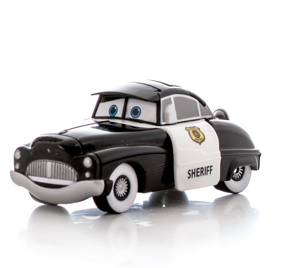 EggStars Яйцо-трансформер Шериф84544Яйцо-трансформер EggStars Шериф надолго займет внимание вашего ребенка. Игрушка выполнена из прочного пластика в виде машинки Шериф - одного из героев мультфильма Тачки. Полицейский автомобильчик Шериф, как и положено настоящему служителю порядка, отвечает за безопасность всех жителей города Радиатор-Спрингс, населенного самыми разнообразными машинами. Шериф путем нескольких несложных манипуляций преобразуется в компактное яйцо. Ваш ребенок сможет собирать и разбирать его сам, в игровой форме получая навыки простой трансформации одного предмета в другой, тренируя моторику пальчиков, совершенствуя логическое мышление и память. Небольшие размеры игрушки позволяют брать ее с собой и играть в любое свободное время. Кроме того, с игрушкой в режиме автомобиля можно играть как с обычной машинкой. Колеса машинки не крутятся.
