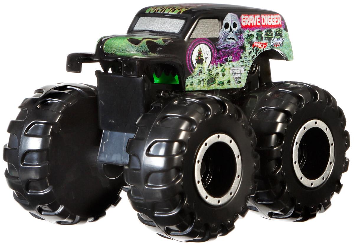 Hot Wheels Monster Jam Машинка Grave Digger цвет черныйCFY42_CFY43Машинка Hot Wheels Monster Jam. Grave Digger - это знаменитая модель легендарного автомобиля с большими колесами. Литой корпус, сверкающая кабина, внушительный вид. Внедорожник с неповторимым тюнингом оценят как дети, так и взрослые! Детали игрушки выполнены из высококачественных материалов и абсолютно безопасны для детей. Порадуйте своего малыша таким замечательным подарком!