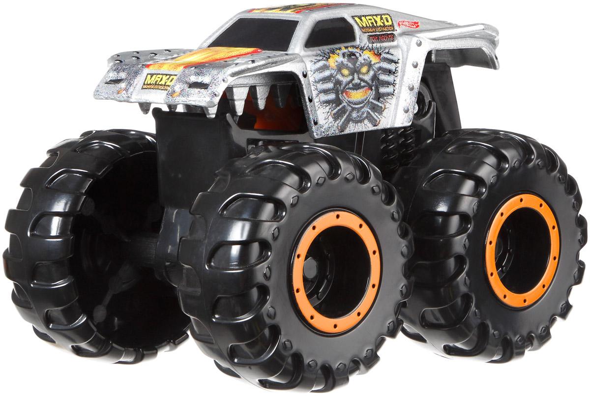 Hot Wheels Monster Jam Машинка MAX-DCFY42_CFY54Машинка MAX-D - одна из ярких и впечатляющих моделей внедорожников Hot Wheels Monster Jam. Маленький автогонщик обязательно оценит несколько устрашающий и агрессивный внешний вид внедорожника, огромные колеса, которые способны легко преодолеть самые сложные препятствия. Машинка прекрасно ездит по любым поверхностям, что делает игру еще более интересной. Модель изготовлена из качественных и безопасных материалов. Ребенок сможет играть с ней не только дома, но и на улице.