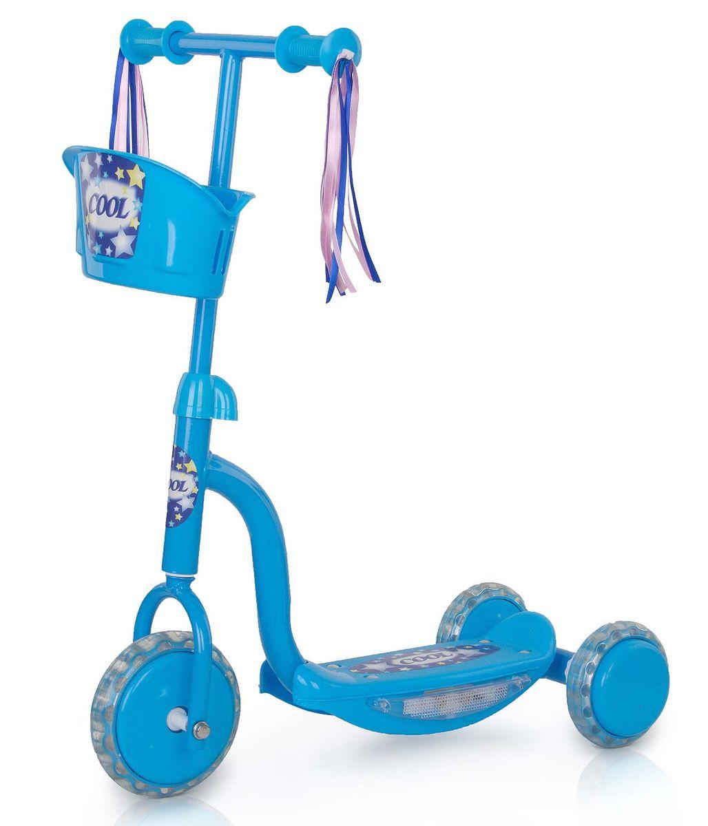 Самокат трехколесный Larsen Cool, цвет: голубой242631Larsen Cool выполнен из высококачественных материалов, стальная основа делает его очень долговечным, а пластиковые детали - безопасным. Колеса из поливинилхлорида хорошо смягчают неровности дорог. В качестве дополнительного аксессуара к рулю самоката прикреплена небольшая корзинка для игрушек. Подсветка на раме.