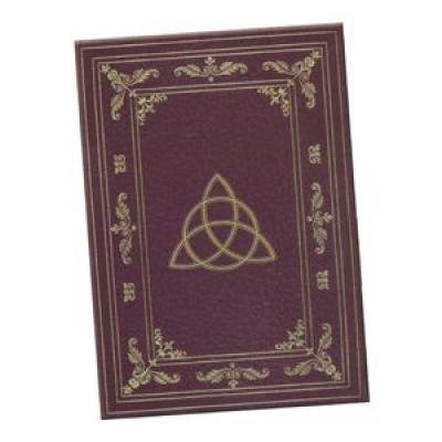 Дневник для записей Lo Scarabeo Дневник Таинств. JOU01JOU01Магический дневник это тайное и сокровенное место для записи и хранения ваших мыслей, важных откровений и осознаний. Необходимо тщательно подобрать такой дневник, который отражает вашу индивидуальность и будет в гармонии с вами в вашей магической работе. Высокое качество бумаги и обложки, наличие внутренних закладок и большой выбор стилей помогут вам найти Ваш Дневник.