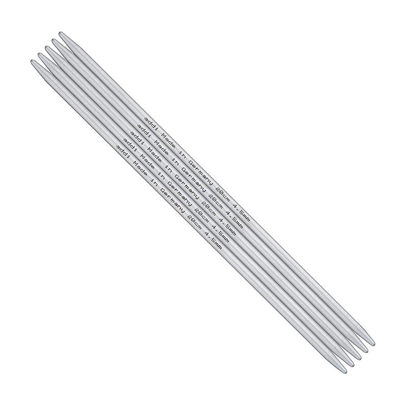 ADDI Спицы, чулочные, алюминий, №5,5, 40 см, 5 шт в блистере201-7/5.5-40Солидные и легкие чулочные спицы из высококачественного алюминия addi обладают прекрасными тактильными качествами и благородным серебристо-матовым цветом. Уникальный стук при вязании радует слух. За счет гладкой поверхности работать с ними легко и удобно. На саму спицу, как и на других артикулах, нанесен размер, длина и знаменитое Made in Germany.