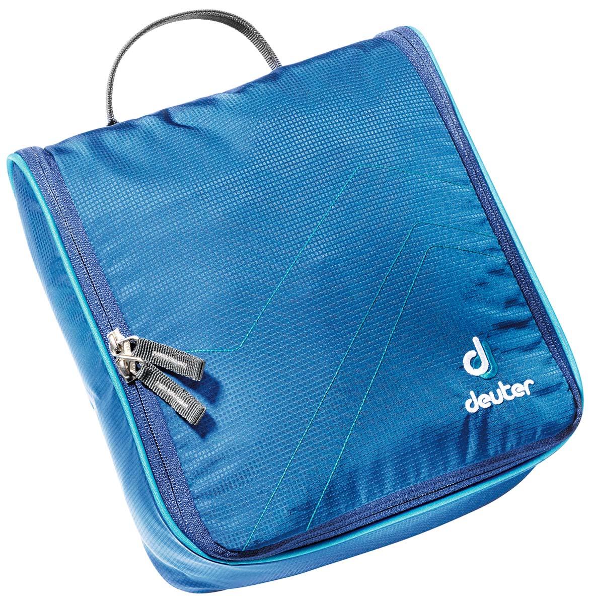 Косметичка Deuter Accessories Wash Center II, цвет: светло-голубой, бирюзовый, 25 см х 24 см х 9 см39464_3306Дорожная косметичка Deuter Accessories Wash Center II , выполненная из полиамида и полиэстера, незаменима в путешествиях и командировках. Косметичка содержит большое центральное отделение с тремя сетчатыми карманами, два кармана на молнии, сетчатый карман на молнии, а также съемное внутреннее отделение с дополнительным крючком. Застегивается на молнию с двойным бегунком по всему периметру. Изделие снабжено текстильной петлей для подвешивания. Стильная дорожная косметичка станет практичным аксессуаром, который идеально дополнит ваш образ.