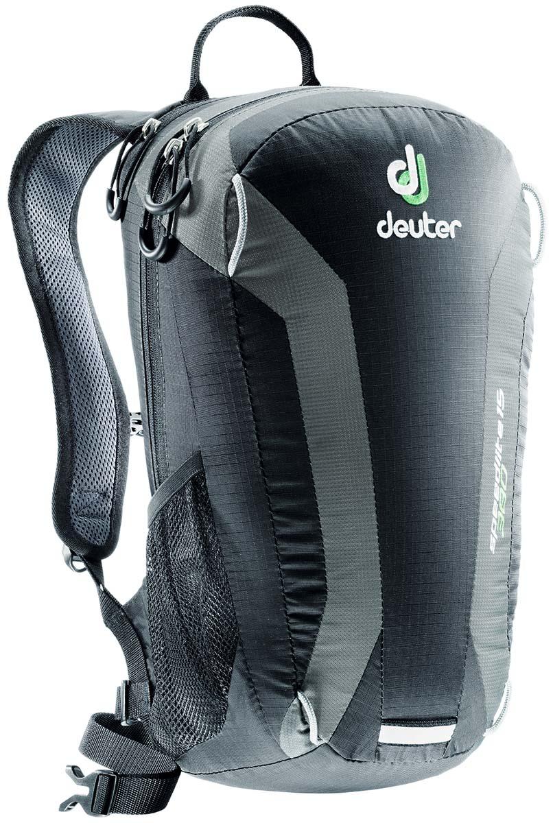 Рюкзак Deuter Speed lite 15, цвет: черный, темно-серый, 15л33111_7410Сверхлегкие спортивные рюкзаки для быстроногих атлетов. Вы почти не почувствуете их вес во время гонок по горам, соревнований по ски,туру, велосипедных марафонов, катаясь на равнинных лыжах, и даже просто догоняя уходящий автобус, эргономичные плечевые лямки целиком выполнены из объемной дышащей сетки 3D Air,Mesh для экономии веса, Оригинальная V,образная форма обеспечивает максимальную свободу движений и размещает нагрузку именно там, где она должна быть, между плеч , Молнии с удобными петлями для пальцев на замках, передний карман, усиленное дно, отражатель 3М, боковые сетчатые карманы позволяют легко достать калорийное питание или флягу с питьем, Вес: 380 г, Объем 15 л. Размеры: 43x23x16 см.