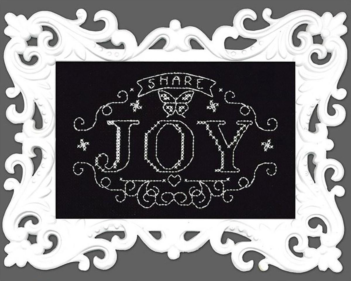 Набор для вышивания крестом Design Works Меловая надпись. Делись радостью, 13 х 18 см2890Канва Аида 14 (100% хлопок), нитки мулине (100% хлопок), игла, подробная инструкция со схемой вышивки на русском языке