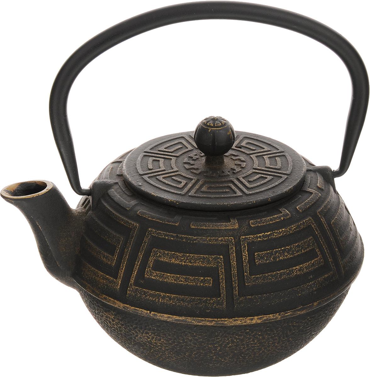 Чайник заварочный Mayer & Boch, чугунный, с фильтром, 1,5 л23696Заварочный чайник Mayer & Boch изготовлен из чугуна высокого качества. Внешние стенки изделия оформлены изысканным рельефом.Чугунный чайник дольше других удерживает тепло. Вода в нем будет оставаться горячей и пригодной для заваривания чая в течение часа. Кремнийорганический термостойкий лак предотвращает появление ржавчины. Чайник оснащен чугунной подвижной ручкой и съемным фильтром из нержавеющей стали, который задерживает заварку и предотвращает ее попадание в чашку. Заварочный чайник Mayer & Boch украсит любую чайную церемонию, а также станет прекрасным подарком на любое торжество. Диаметр чайника (по верхнему краю): 9 см. Высота чайника (без учета крышки и ручки): 9,5 см. Высота чайника (с учетом ручки): 18 см. Диаметр фильтра (по верхнему краю): 8,7 см. Высота фильтра: 6 см.