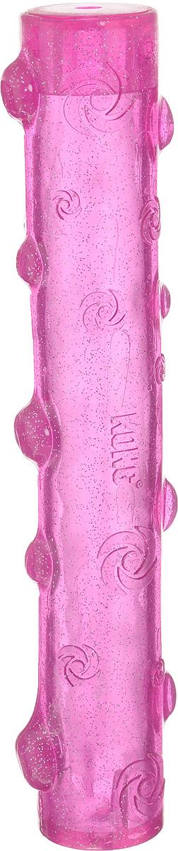 Игрушка для собак Kong Squeezz Crackle, хрустящая палочка, цвет: розовый, длина 28 смPCS1Игрушка для собак Kong Squeezz Crackle, изготовленная из безопасного эластичного материала, станет любимой игрушкой вашей собаки. При скручивании или сгибании эта игрушка издает особый трескучий звук, который привлекает собак. Изделие имеет яркий цвет и отличается привлекательным блеском. Подходит для подвижных игр дома и на улице и доставит огромную радость собакам и их заботливым владельцам.
