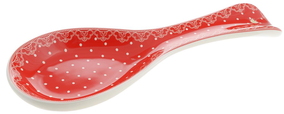 Подложка Loraine Красный узор, длина 24 см. 2581025810Подставка для ложки Loraine Красный узор изготовлена из прочного доломита высокого качества. Данное изделие оформлено красочным дизайном и имеет стильный внешний вид. Подставка предназначена для поддержания чистоты на кухонном столе при приготовлении пищи. Поставьте ее рядом с плитой, и кладите на подставку ложку, половник или лопатку, которыми вы помешиваете блюда.