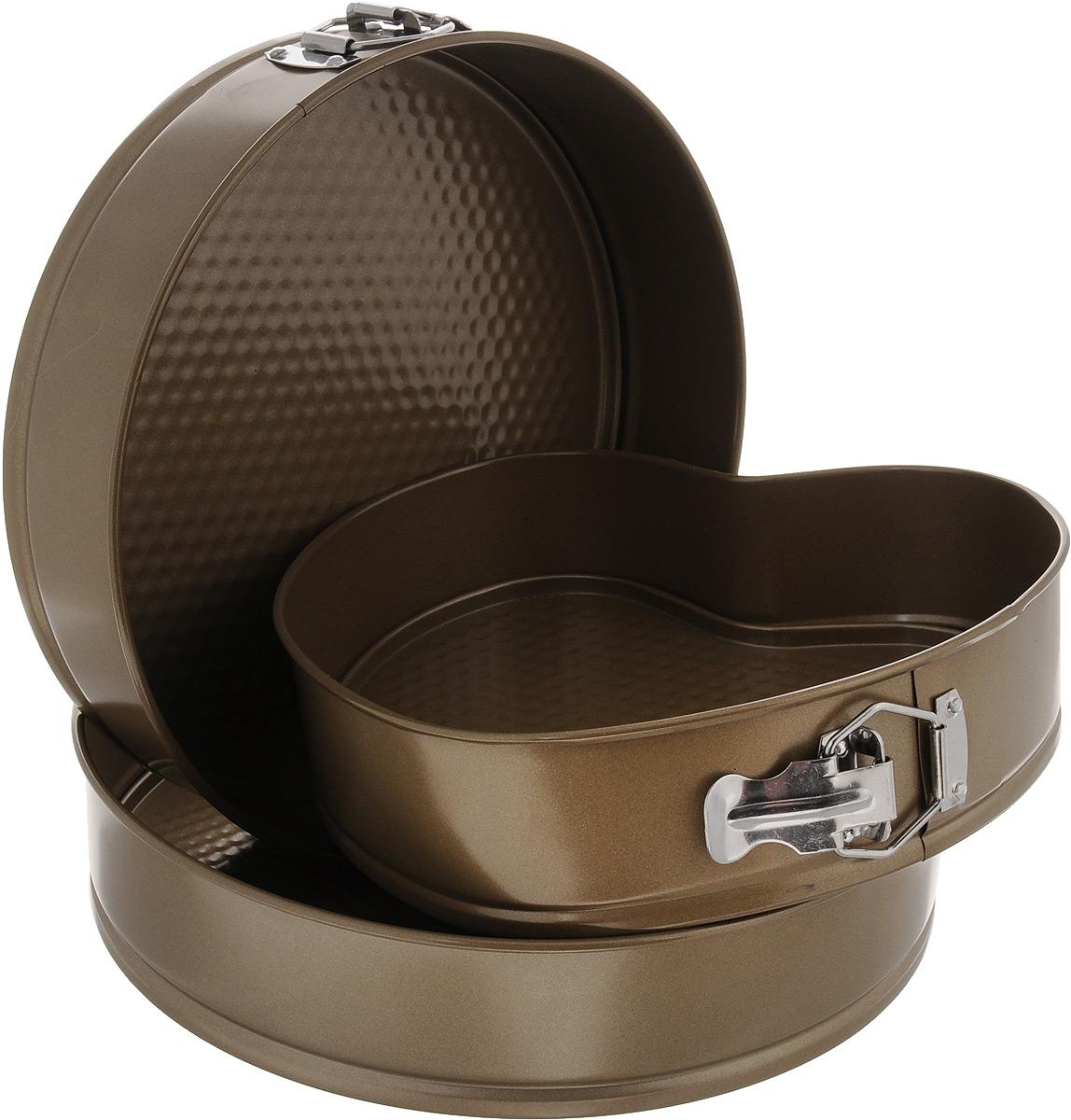 Набор форм для выпечки Mayer & Boch, с антипригарным покрытием, 3 предмета. 2427724277Набор Mayer & Boch состоит из двух круглых форм для выпечки и одной формы в виде сердца, выполненных из высококачественной углеродистой стали. Современное высокотехнологичное антипригарное покрытие предотвращает пригорание выпечки и обеспечивает легкую очистку после использования. Кроме того, формы имеют разъемный механизм и съемное дно, благодаря чему готовое блюдо очень легко вынимать. Изделия складываются друг в друга по принципу матрешки, поэтому они не займут много места на кухне при хранении. Формы легкие и удобные в использовании, легко моются. С ними готовить любимые блюда станет еще проще. Подходят для использования в духовом шкафу и хранения пищи в холодильнике. Не предназначены для СВЧ-печей. Диаметр круглых форм: 26 см, 28 см. Высота стенок: 6,7 см. Размер формы в виде сердца: 23,4 х 23,5 х 6,7 см.