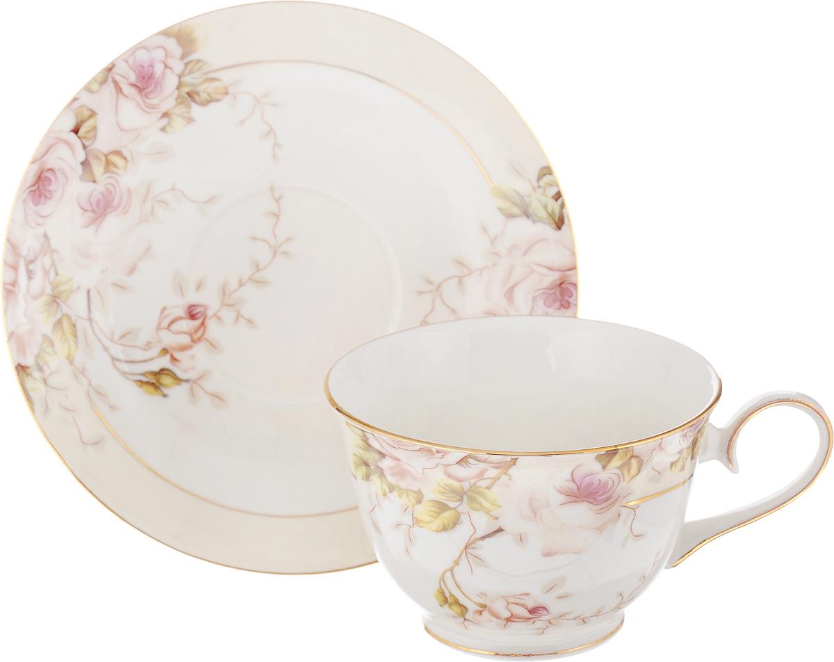 Чайная пара Patricia Античная роза, 2 предметаIM52-2701Чайная пара Patricia Античная роза состоит из чашки и блюдца. Изделия изготовлены из фарфора высшего качества, отличающегося необыкновенной прочностью и небольшим весом. Чайная пара Patricia Античная роза украсит ваш кухонный стол, а также станет замечательным подарком к любому празднику. Не рекомендуется мыть в посудомоечной машине и использовать в микроволновой печи. Объем чашки: 200 мл. Диаметр чашки (по верхнему краю): 10 см. Высота чашки: 6,5 см. Диаметр блюдца: 15,5 см. Высота блюдца: 2 см.