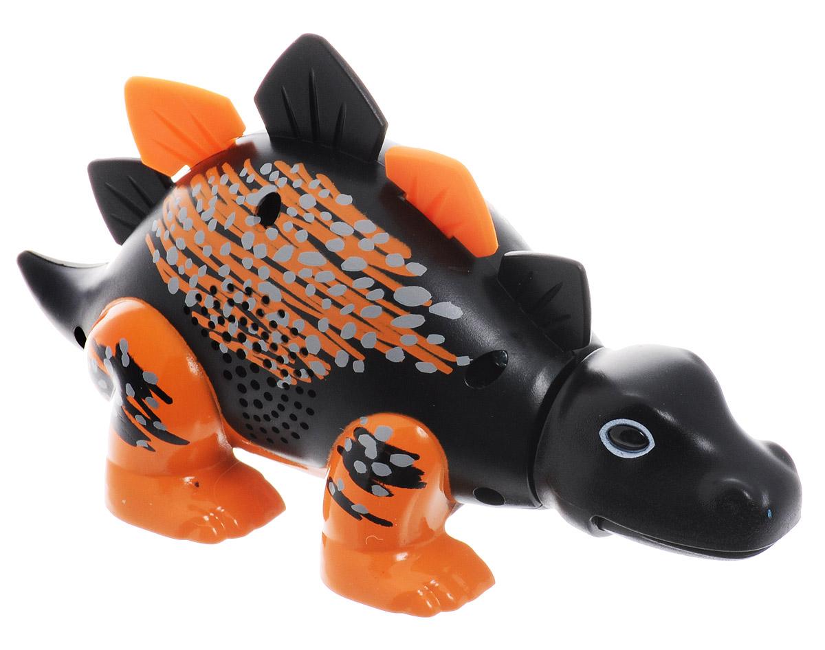 DigiFriends Интерактивная игрушка Динозавр Skye88281_черный, оранжевыйУ вас есть шанс получить уникального домашнего питомца - поющего динозавра. Не каждый может похвастаться этим. Интерактивная игрушка DigiFriends Динозавр Skye - это умное животное, которое будет развлекать вас различными мелодиями, пением и ревом. Для активизации динозавра необходимо посвистеть или похлопать в ладоши. Игрушка издает 55 вариантов песен и рев динозавра, также динозавр повторяет то, что вы сказали. Такая игрушка станет незабываемым подарком для любого ребенка. Малыш будет увлеченно играть с динозавром, прослушивая различные мелодии. Для работы игрушки требуется докупить 3 батарейки типа LR44 (товар комплектуется демонстрационными).