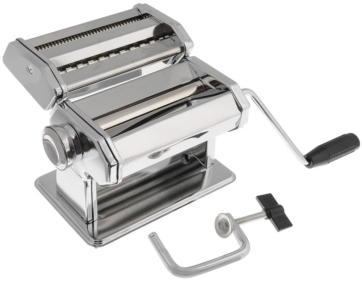 Машинка для нарезки лапши Travola177Машинка Travola, выполненная из нержавеющей стали, отлично поможет вам в нарезке лапши и макарон из теста собственного приготовления. В комплект входят: станок для раскатки теста, насадка для нарезки лапши, зажим - крепление станка к столу, вращательная ручка. Для нарезания лапши: пропустите тесто через машинку, чтобы оно стало плоским, вставьте раскатанный лист в режущие ролики, вращайте ручку, и машинка нарежет лапшу. Толщину нарезки можно регулировать. Машинка Travola станет незаменимым помощником на любой кухне. Размер станка: 19,5 х 12,5 х 12,5 см. Размер насадки для лапши: 17,5 х 11 х 5 см. Длина ручки: 14 см. Толщина нарезки пасты: от 0,35 до 2,5 мм Ширина теста: 145 мм